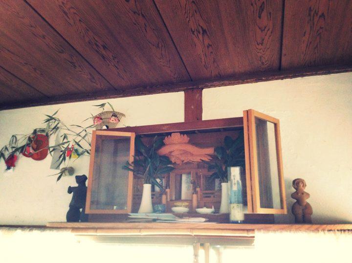 そしてもちろん祖父が毎日拝んでいた神棚も、引き継ぎました。
